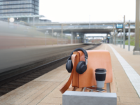 Headphones that know where you are